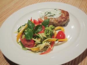 Clean Eating Thunfisch Patties mit Zucchini Salat