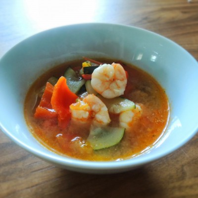 Clean Eating Garnelensuppe mit Thai Basilikum